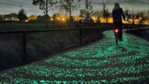 van-gogh-roosegaarde-bicycle-path